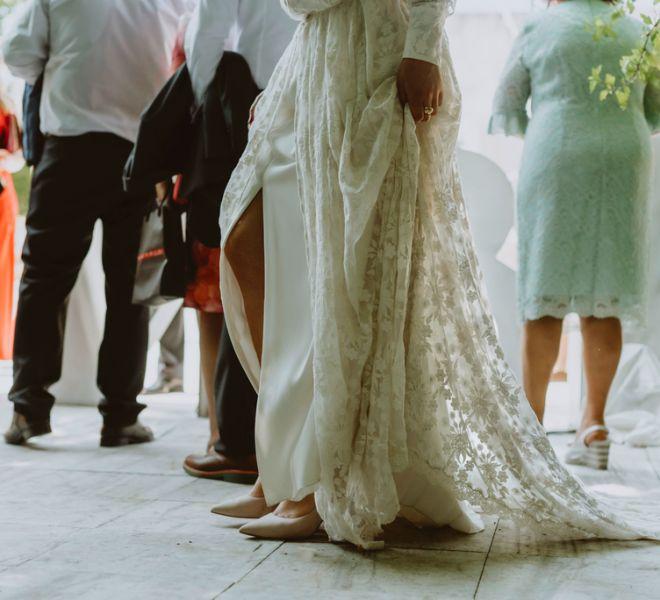 detalle-del-vestido-de-la-novia-en-el-apretivo-de-pazo-do-tambre