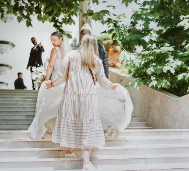 llegada-de-la-novia-al-aperitivo-boda-pazo-do-tambre