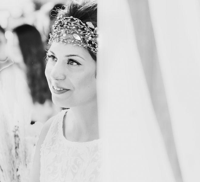 novia-con-tocado-de-boda-cerca-de-santiago