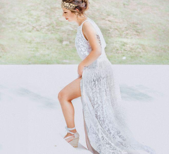 novia-con-vestido-caminando-hacia-la-ceremonia