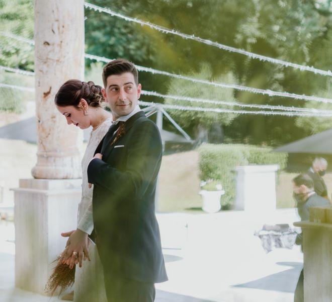 pareja-de-recien-casados-en-el-pazo