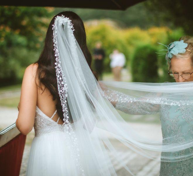 la-novia-en-los-jardines-de-pazo-do-tambre