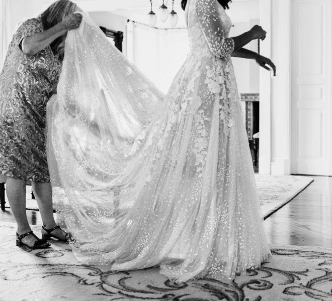 novia-preparandose-para-la-boda-en-su-habitacion-del-pazo