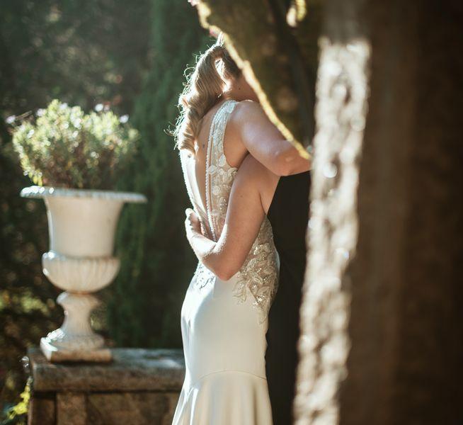 abrazos-dia-de-la-boda-en-los-jardines-de-un-pazo-gallego