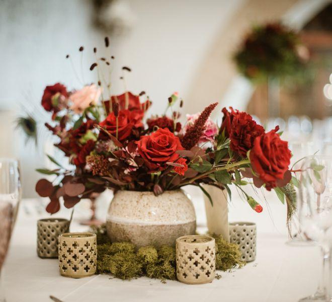 decoracion-floral-mesa-redonda-boda-en-salon-del-pazo-cerca-de-santiago