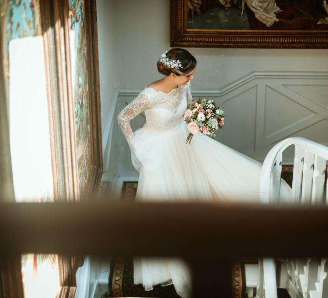 novia-de-camino-a-ceremonia-civil-bodas-en-la-naturaleza-santiago